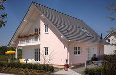 OKAL Haus GmbH. http://www.unger-park.de/musterhaus-ausstellungen/erfurt/galerie-haeuser/detailansicht/artikel/okal-parzelle-04/ #musterhaus #fertighaus #immobilien #eco #umweltfreundlich #hauskaufen #energiehaus #eigenhaus #bauen #Architektur #effizienzhaus #wohntrends #zuhause #hausbau #haus #design #okal #erfurt