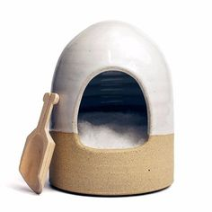 Both beautiful and functional, you will love the way your salt looks next to the stove in this sweet beehive salt cellar. Handmade in Vermont, this timeless pie