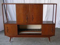 Mid Century Shelving Unit- would be neat to replicate and make into a TV stand and entertainment center Mid Century Credenza, Mid Century Furniture, Mid Century Modern Decor, Mid Century Design, Vintage Sofa, Vintage Furniture, Tv Stand And Entertainment Center, Retro Home, Interiores Design