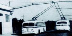 Primeros vehículos de Trolebuses Coruña-Carballo, en un punto de su ruta.Tardaban 75 min en recorrer los 34km,y eran frecuentes las paradas por el desenganche de los troles de los cables del tendido,funcionaron entre 1950 y 1971.Los vehiculos electricos no solo transportaron viajeros,sino tambien mercancias en camiones adaptados y se hicieron enormemente populares,ya que cubrían la línea regular más larga de España de este medio de transporte.
