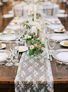 Кружево в декоре свадьбы - свадебный стол, сервировка - The-wedding.ru