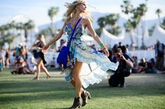 Beautiful Free Spirit Dress from Coachella! I'd be down to wear this to any music festival around the world!