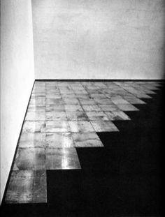 Carl Andre, Corner piece