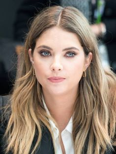 Ashley Benson : l'actrice de Pretty Little Liars passe au bronde !