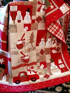 Cute and colorful Christmas quilt