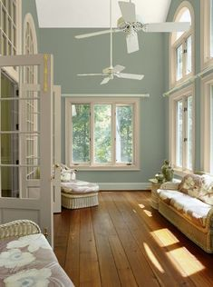 Awesome 38 Beautiful Paint Colors Ideas for Living Room https://toparchitecture.net/2017/12/26/38-beautiful-paint-colors-ideas-living-room/