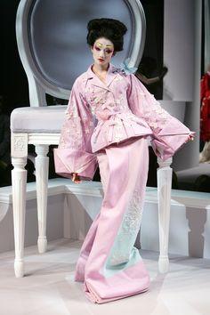Fashion Show: Christian Dior Haute Couture Spring/Summer 2007