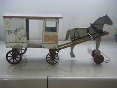 VINTAGE BORDEN`S MILK WAGON AND HORSE - WOOD & TIN CLINTON RICH TOYS IOWA