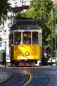 Cable Car #Portugal #cablecars #lisbon #europe #southeurope #traditions #cultural #photography