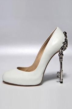 b84bfddeca31 Women SS 2013 Black Label - John Richmond. Amazing heel!