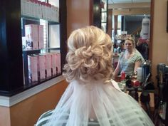 wedding hairstyle - could possibly do something like this with my hair length