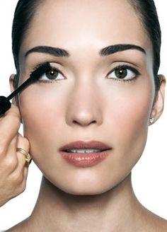 Makeup Tutorial: The 10-Step Makeup Look By Bobbi Brown - Makeup For Life - Beauty Blog, Makeup Tutorials, Product Reviews, Swatches, Celebrity Makeup