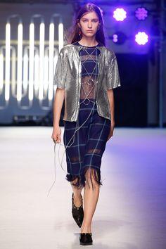 MSGM Spring 2016 Ready-to-Wear Fashion Show - Sofia Tesmenitskaya
