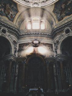 Church of San Lorenzo in Turin / photo by Francesco Zivoli