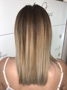 Balayage blonde Blonde Balayage, Long Hair Styles, Beauty, Shaving Machine, Barber Salon, Hair Stylists, Balayage Hairstyle, Dressmaking, Shaving