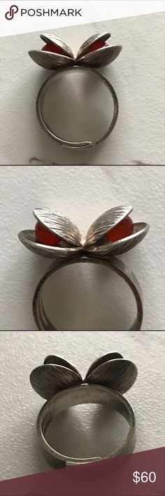 "Sterling silver & Carnelian Pearls clam shell ring Sterling Silver double clam ring with Carnelian Pearls.  Ring size 7. Measure roughly 1"" x 1"" (see photo with tape measure).  '925' (Sterling Silver) stamp inside band.  Vintage item, very faint signs of wear under close inspection but overall in excellent used condition.  No damage or standout marks / scratches. vintage Jewelry Rings"