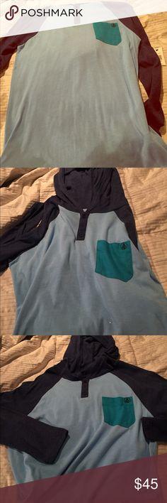 Volcom 3 blues hooded shirt XL RARE NWT vintage Volcom 3 blues hooded shirt XL Volcom Shirts Sweatshirts & Hoodies