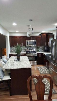 The Best Kitchen Remodel Dark Cabinets Backsplash Ideas - Page 35 of 36 Small Kitchen Cabinets, Cozy Kitchen, Home Decor Kitchen, Kitchen Interior, Home Kitchens, Kitchen Dining, Dark Cabinets, Narrow Kitchen, Minimalist Home