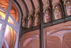 Art Nouveau - La Maison Coilliot est située au 14 rue de Fleurus à Lille. Bâtie entre 1898 et 1900, elle est classée Monument Historique depuis 1977.