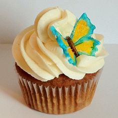 Wraggamuffins' Afternoon Tea cupcake - buttercream frosting with fondant butterfly. Tea Cupcakes, Filled Cupcakes, Fondant Butterfly, Buttercream Frosting, Mini Cakes, Cupcake Recipes, Afternoon Tea, Cake Pops, Desserts