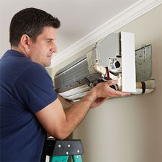 An easy-install way to provide cooling and heating without ducts—and no window units Refrigeration And Air Conditioning, Heating And Air Conditioning, Split Type Aircon, Heat And Air Units, Ac Unit Cover, Mini Split Ac, Window Ac Unit, Ac System, Air Conditioning Installation