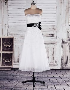 Organza A-line Strapless Tea-length Wedding / Graduation Dress with Black Belt