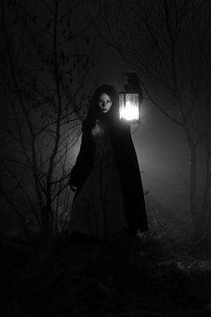 Read from the story Fotos Para Tus Portadas by haewithrain (MOON✨) with reads. Fantasy Magic, Fantasy World, Dark Fantasy, Fantasy Art, Story Inspiration, Character Inspiration, Wicca, Magick, Fantasy Photography