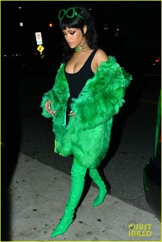 Rihanna is green like money while heading out for dinner following the 2015 iHeartRadio Music Awards on Sunday night (March 29) in Los Angeles.