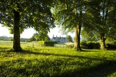 View from the Avenue to Hatch House. Photograph Jake Eastham.