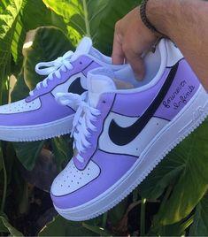Jordan Shoes Girls, Girls Shoes, Shoes Women, Cute Sneakers, Shoes Sneakers, Winter Sneakers, Nike Shoes Outfits, Jordans Sneakers, Nike Shoes Air Force