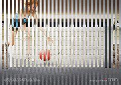 """これぞプリント広告の妙技。分かりづらい車の機能を、一枚の絵で明快に説明するアイデア。 ドイツのハンブルグで大手自動車ブランドのアウディが制作したシリーズプリント広告をご紹介。  同社のクルマの機能である、駐車時に前後の状況を同時にモニタリングしてくれる「パーキングシステムプラス」をメッセージするべく、今までに見たことのない手法でこの機能を描きました。全3種類。  ・子ども篇   ・水道管篇   ・犬篇   「前後が同時に見える」を1枚のビジュアルで描くために、前に見ているものと後ろに見えているものを交互に並べることで表現しました。  コピーは""""Look back and forth at the same time.Parking system plus with reversing camera.(前も後も同時に映します。リバースカメラを使ったパーキングシステムプラス。)""""  これらのビジュアルにより「両方のものがしっかりと同時に見えるから安全に駐車できる」ということをコミュニケーションしました。  一枚絵の中ですべてを語るプリント広告の妙技が存分に発揮された事例"""