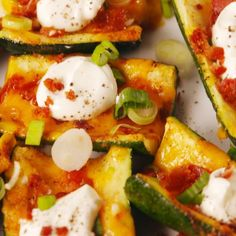 Loaded Zucchini Skins Summer Party Appetizers, Light Appetizers, Easy Appetizer Recipes, Healthy Appetizers, Healthy Snacks, Appetizer Ideas, Party Recipes, Appetizer Dinner, Bbq Appetizers