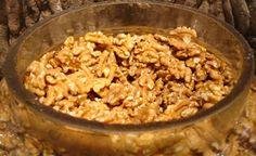 Vedecké výskumy ukazujú, že pravidelná konzumácia vlašských orechov zlepšuje hladinu cholesterolu a flexibilitu krvných ciev. Pôsobia blahodárne proti kardiovaskulárnym chorobám.