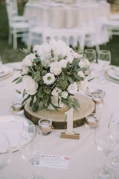 12 Simple White and Green Wedding Centerpieces on A Budget -.- 12 Simple White and Green Wedding Centerpieces on A Budget – EmmaLovesWeddings - Anemone Wedding, Floral Wedding, Wedding Bouquets, Wedding Flowers, Wedding White, Tree Wedding, Wedding Card, Wedding Shoes, Boho Wedding
