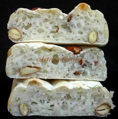 Pane bianco alle mandorle senza glutine
