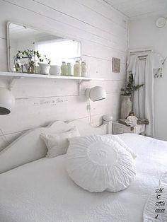 Ideas magníficas para conseguir en el dormitorio una romántica decoración de estilo shabby chic. #decoración #dormitorios
