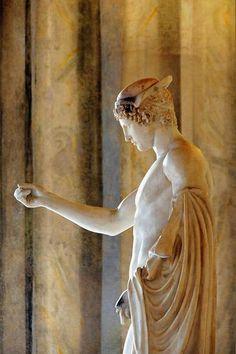 Palazzo Altemps (Rome) - Statue d'Hermès tenant le caducée (copie romaine de la fin du Ier siècle ou du début du IIe siècle après J.-C.)