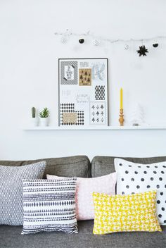 Yellow and grey living room interior inspiration mellow yell Living Room Grey, Home Living Room, Living Spaces, Living Room Inspiration, Interior Inspiration, Sweet Home, Ideas Hogar, Scandinavian Home, Home And Deco