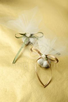 Sugared almonds wrapped in tulle Wedding Candy, Almonds, Wedding Accessories, Tulle, Events, Tableware, Ideas, Craft, Degree Of A Polynomial