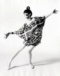 "William Claxton, Peggy Moffitt in ""Kite Dress"" by Rudi Gernreich. 1967. S)"
