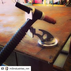 ・・・ Got tired of dropping and breaking my cup, so I decided to make a tig holder. Bottom notch even holds my oxy torch Welding Works, Welding Gear, Welding Shop, Welding Table, Diy Welding, Metal Welding, Tig Welding Tips, Metal Projects, Welding Projects