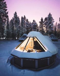 De Aurora-cabines in het Noorderlichtendorp, Finland Oh The Places You'll Go, Places To Travel, Places To Visit, Travel Destinations, Tiny House, Dream Vacations, Glamping, Architecture Design, Around The Worlds