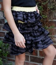 Tutorial: Super Speedy Simple Skirt with rows of ruffles · Sewing | CraftGossip.com