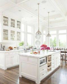 2-cuisine-blanche-laquéе-de-luxe-meubles-blanches-conforama-pas-cher-sol-en-parquet