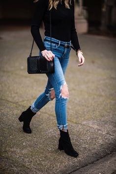 Navy Grace Blog | A Fashion + Lifestyle blog // Ripped Jeans