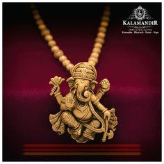 Best Gold, Diamond & Platinum Jewellery Showroom Brands in India Antique Jewellery Designs, Gold Jewellery Design, Gold Jewelry, Antique Jewelry, Gold Temple Jewellery, Designer Jewellery, Gold Bangles, Designer Earrings, Antique Gold