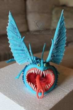 "Dragon of sugar paste from ""How to train your dragon"""