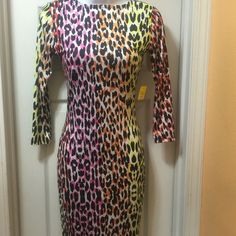 Beautiful dress Brand new never worn Dresses Midi