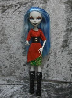 Christmas top and skirt set for monster high dolls by moonsight68, $9.50