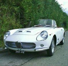 1961 Alfa Romeo 2000 Spider Touring-Segale